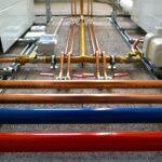 ガスボンベと配管の色